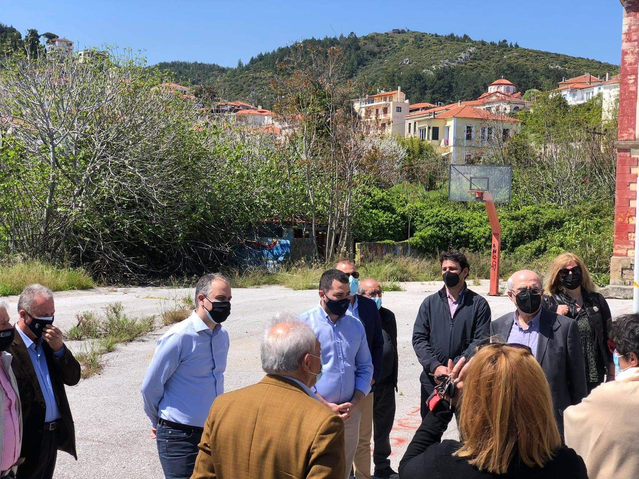 Επίσκεψη Περιφερειάρχη και Αντιπεριφερειάρχη στους Δήμους Ερέτριας και Κύμης – Αλιβερίου για την εκκίνηση σημαντικών νέων έργων