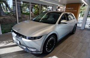 Το νέο πλήρως ηλεκτρικό Hyundai IONIQ 5 στο EVER Monaco 2021 με τον Bertrand Piccard